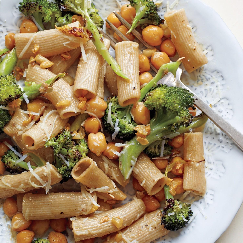 В Италии очень популярна паста из камута. Она чуть более серо-бежевого оттенка, чем из обычной пшеницы.