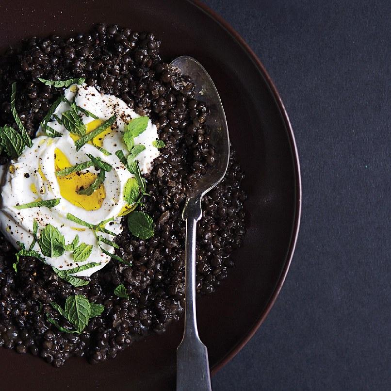 Черный рис пурпурно-черного оттенка считают более полезным, чем черника!