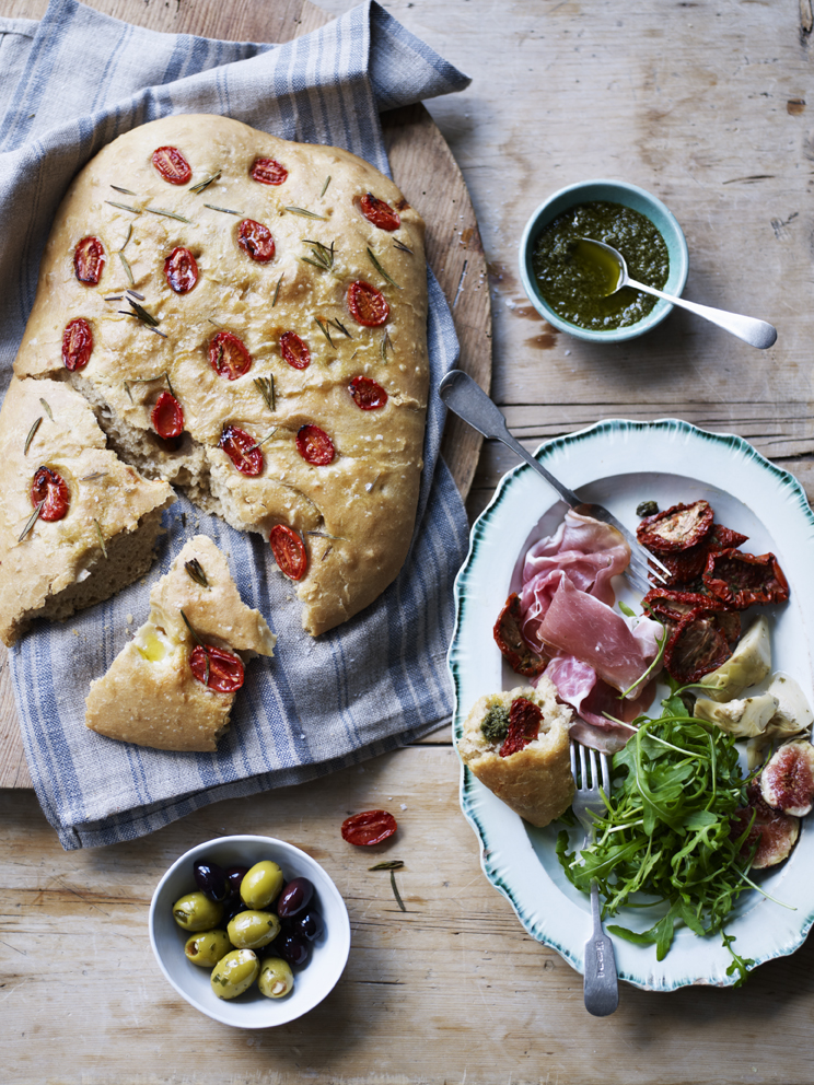 Из спельтовой муки получается очень нежное и воздушное тесто для фокаччи и пиццы